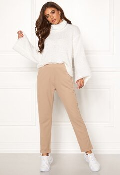 BUBBLEROOM Bonita soft suit pant Light nougat Bubbleroom.se