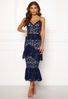 BUBBLEROOM Carolina Gynning flouncy lace dress Dark blue Bubbleroom.se
