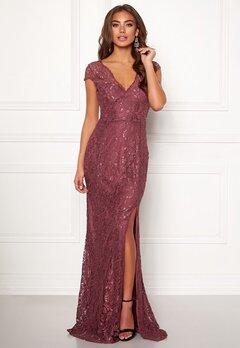 979ba472fa38 BUBBLEROOM Carolina Gynning Lace gown Bubbleroom.se