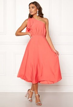 a0dc5331d46a BUBBLEROOM Carolina Gynning One shoulder dress Coral Bubbleroom.se