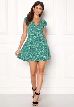 BUBBLEROOM Caylee dress Green / White / Dotted Bubbleroom.se