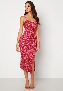 BUBBLEROOM Izabelle midi dress Red / Floral Bubbleroom.se