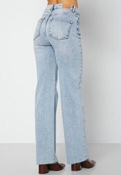 BUBBLEROOM June raw edge jeans Light denim bubbleroom.se