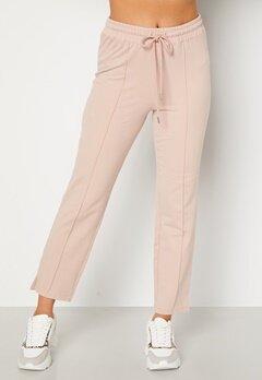 BUBBLEROOM Kehlani soft suit trousers  Light nougat Bubbleroom.se