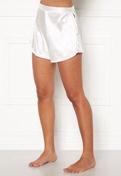 BUBBLEROOM Lorah shorts Winter white Bubbleroom.se