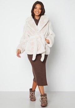 BUBBLEROOM Vadah Faux Fur Jacket Light beige Bubbleroom.se
