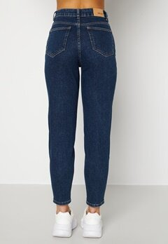 BUBBLEROOM Melinda comfy mom jeans  Dark denim Bubbleroom.se