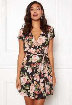 BUBBLEROOM Nadine wrap dress Black / Floral Bubbleroom.se