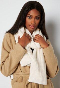 BUBBLEROOM Ofelia knitted scarf Winter white bubbleroom.se