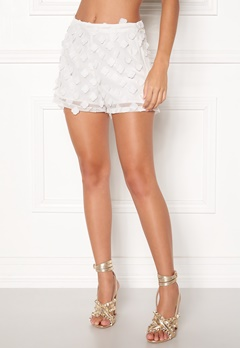 BUBBLEROOM Palma flower shorts White Bubbleroom.se