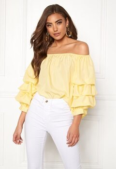 BUBBLEROOM Yazzy off shoulder top Light yellow Bubbleroom.se