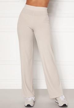 BUBBLEROOM Alanya rib trousers Light nougat Bubbleroom.se