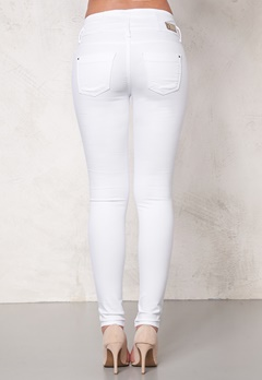 b.young Gelya hw Slim 80100 White Bubbleroom.fi
