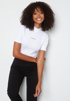 Calvin Klein Jeans Micro Branding Rib Baby Tee YAF Bright White bubbleroom.se