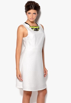 VILA Cans Dress White Bubbleroom.no