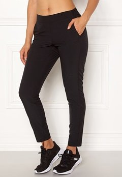 Casall Slim Woven Pants 901 Black Bubbleroom.se
