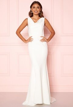 Chi Chi London Orlaith Open Back Dress White Bubbleroom.se