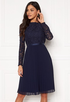 Chi Chi London Rene Lace Midi Dress Navy Bubbleroom.se