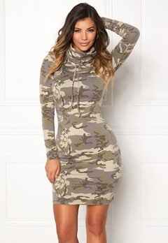 Chiara Forthi Camo lounge dress Camouflage Bubbleroom.dk