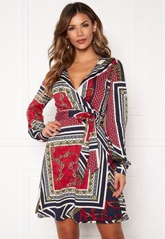 Chiara Forthi Claudina wrap shirt dress Dark blue / Red / Patterned Bubbleroom.se