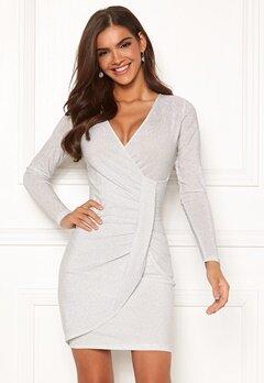 Chiara Forthi Elena sparkling wrap dress White / Silver Bubbleroom.se