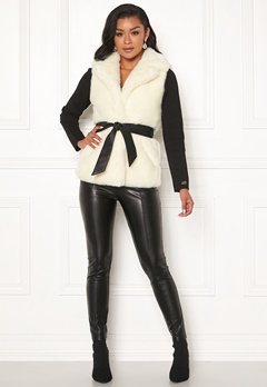 Chiara Forthi Florence Faux Fur Waistcoat Offwhite Bubbleroom.se