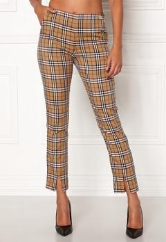 Chiara Forthi Franka woven sleek pants Checked / Beige / Red Bubbleroom.se