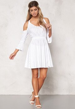Chiara Forthi Intrend Bregje Dress White Bubbleroom.no
