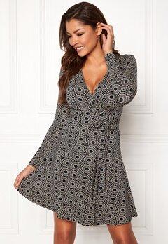 Chiara Forthi Sonnet Mini Wrap Dress Navy / Beige / Patterned Bubbleroom.se