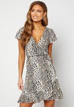 Chiara Forthi Sonnet wrap mini flounce dress Leopard Bubbleroom.se