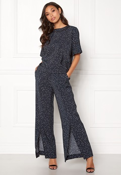 DAGMAR Gaby Trousers Navy Dot Print Bubbleroom.se