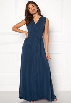 DAGMAR Wande Maxi Dress Midnight Blue Bubbleroom.se