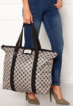 Day Birger et Mikkelsen Day Gweneth P Linger Bag 12000 Black Bubbleroom.se
