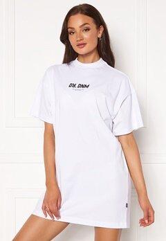 Dr. Denim Lill Tee Dress T33 White NE Wordmar Bubbleroom.se