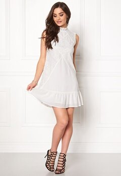 DRY LAKE Jardin Dress 100 White Bubbleroom.se
