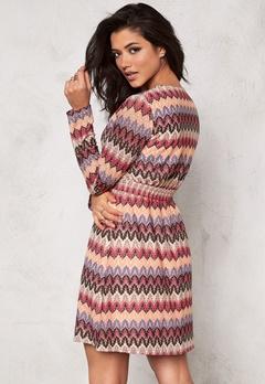 DRY LAKE Ziczac Long Sleeve Dress Multi Bubbleroom.se