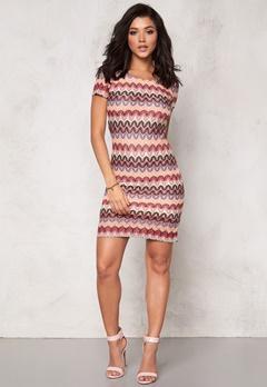 DRY LAKE Ziczac Short Sleeve Dress Multi Bubbleroom.se