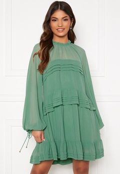 FOREVER NEW Inez Tiered Mini Dress Mint Bubbleroom.se