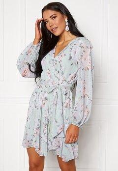 FOREVER NEW Mariana Wrap Hanky Hem Dress Mint Peony Blossom Bubbleroom.se