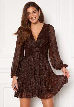 FOREVER NEW Plisse Mini Dress Copper Metallic Bubbleroom.se