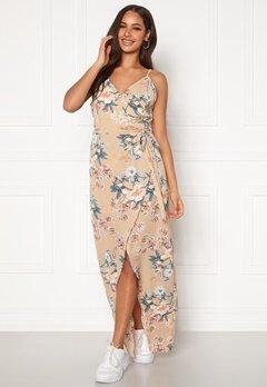 Girl In Mind Dress Beige Floral Beige Floral Bubbleroom.se