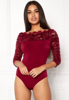 Goddiva 3/4 Lace Sleeve Bodysuit Wine Bubbleroom.se