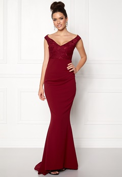 Goddiva Lace Pleated Maxi Dress Wine Bubbleroom.se