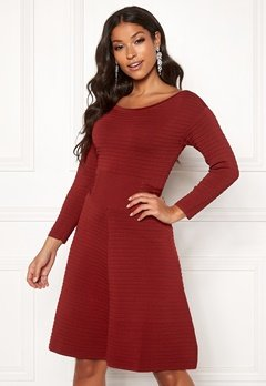 Guess Clelia Dress Russian Red Bubbleroom.se