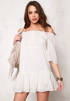 ONLY Guntal Off Shoulder Dress Whisper White Bubbleroom.no