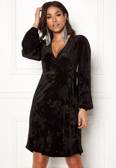Happy Holly Abrianna velour dress Black Bubbleroom.se