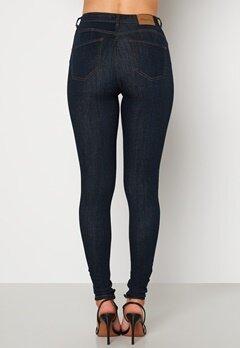 Happy Holly Amy push up jeans Dark denim bubbleroom.se