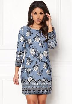 Happy Holly Blenda dress Medium blue / Patterned Bubbleroom.se