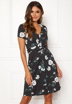 Happy Holly Elin dress Black / Patterned Bubbleroom.se