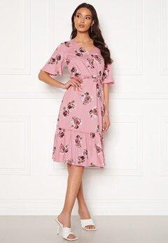 Happy Holly Eliza flounce dress Pink / Patterned Bubbleroom.se
